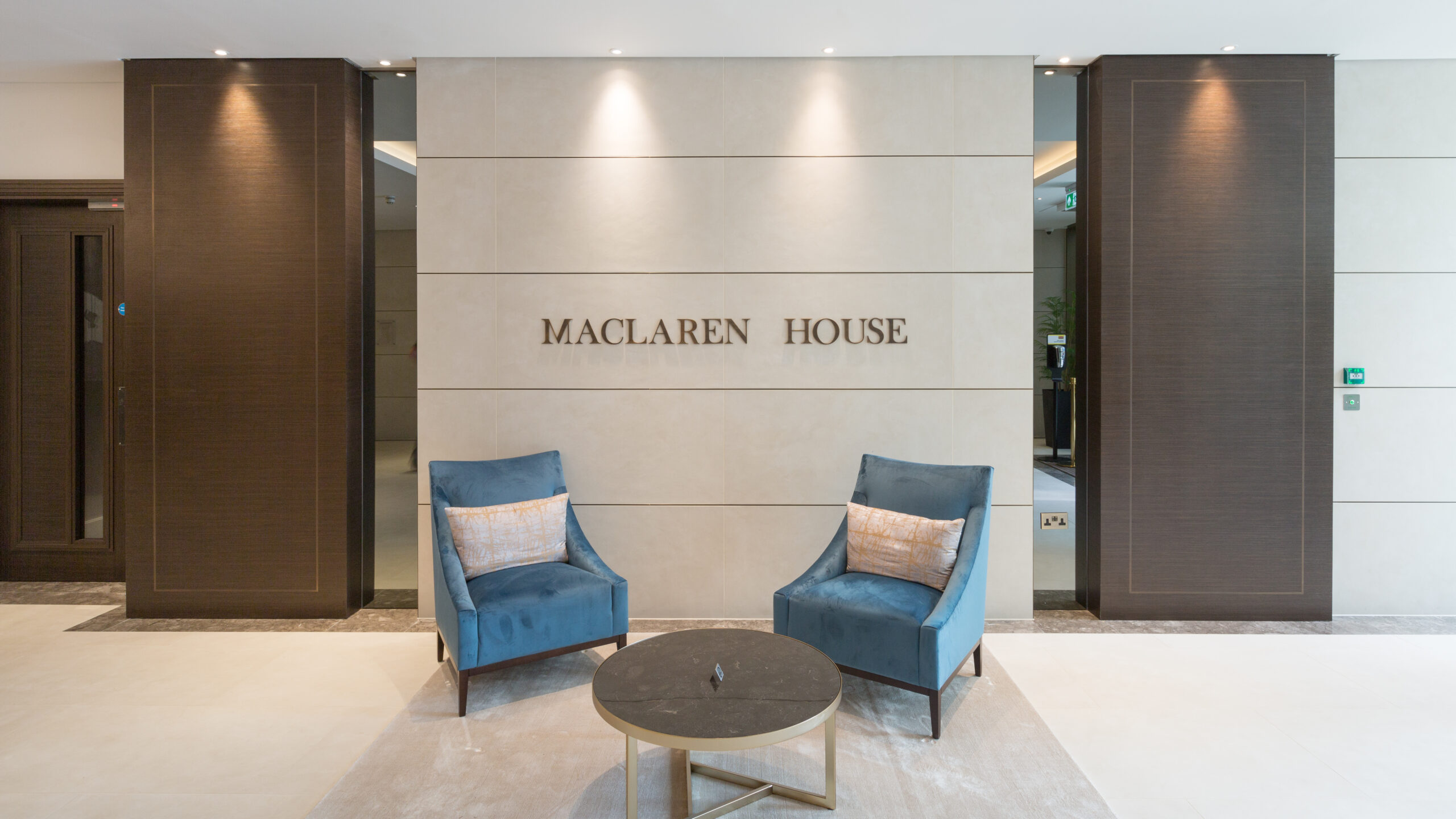 Royal Warwick Square | Luxury Apartmements and Penthouses